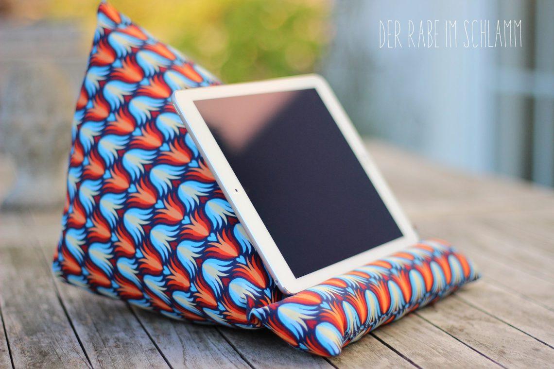 Tablet-Kissen, iPad-Halter, DIY, Der Rabe im Schlamm, Nähen, Kissen